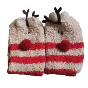 Accessories - Free with Purchase! NWOT Fuzzy Reindeer Socks